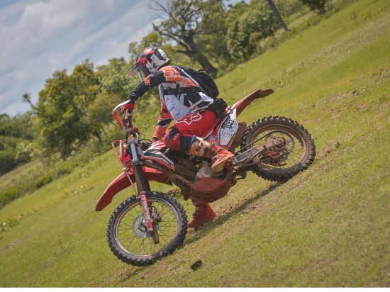Motos Rally, Quadris, UTVs e Carros